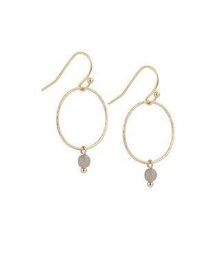 Ellen Beekmans Oorbellen met gezandstraalde ring en gemstone grijs