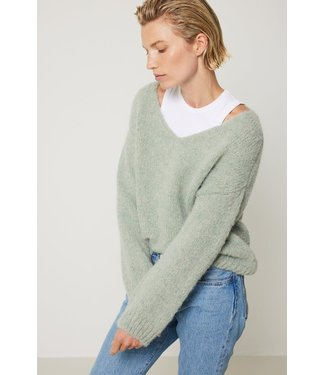 Knit-ted Begonia Pullover Frost