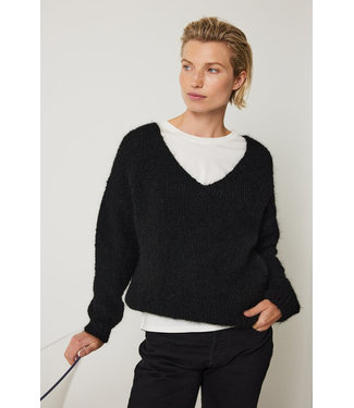 Knit-ted Begonia Pullover Black
