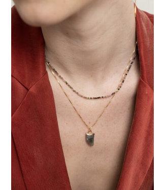 Ellen Beekmans Fijne korte ketting met mini edelsteentjes multicolori