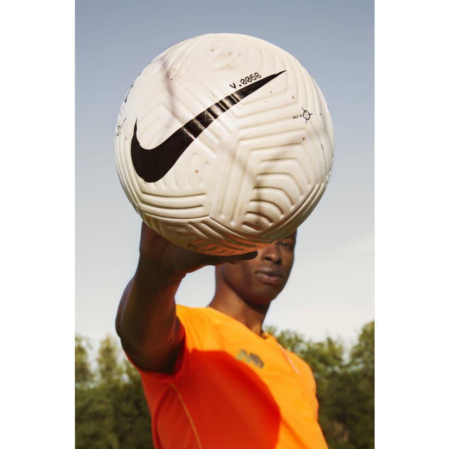 Nike NIKE Flight Ball