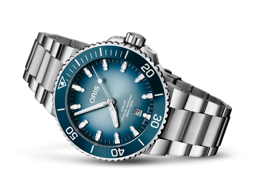 https://cdn.webshopapp.com/shops/284691/files/318762315/oris-oris-aquis-great-barrier-reef-iii-limited-dat.jpg