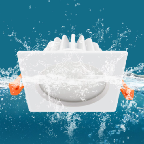 Spot salle de bain IP65 7W LED blanc carré diamètre perçage 75 mm