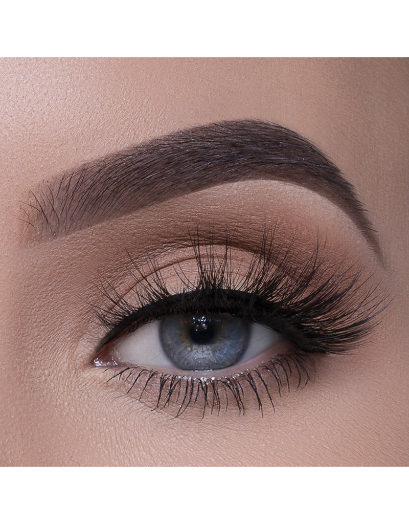Frizzy Lashes