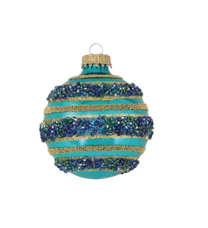 Glazen zeeblauwe kerstbal met blauwe pareltjes en gouden glitterstrepen 7 cm