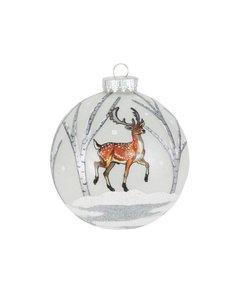 Kerstbal met Hert in een Winterbos
