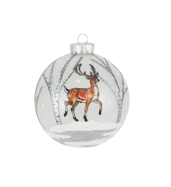 Prachtige glazen kerstbal van 10 cm met hert in een winterbos