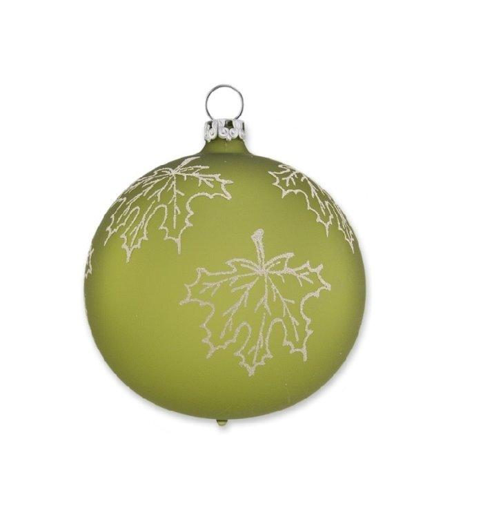 Geel groene matte kerstbal met vallend esdoornblad 8 cm