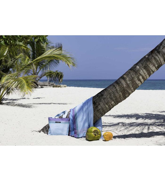 Simone et Georges lichtblauwe Kikoy hamamdoek - strandlaken Tiwi met badstof gevoerd