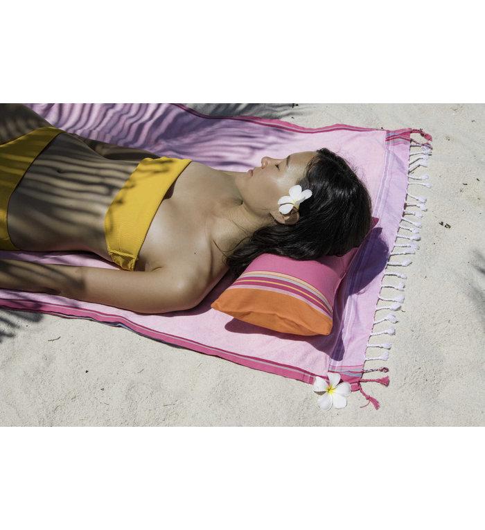 Simone et Georges lichtroze Kikoy hamamdoek - strandlaken Nyali met badstof gevoerd