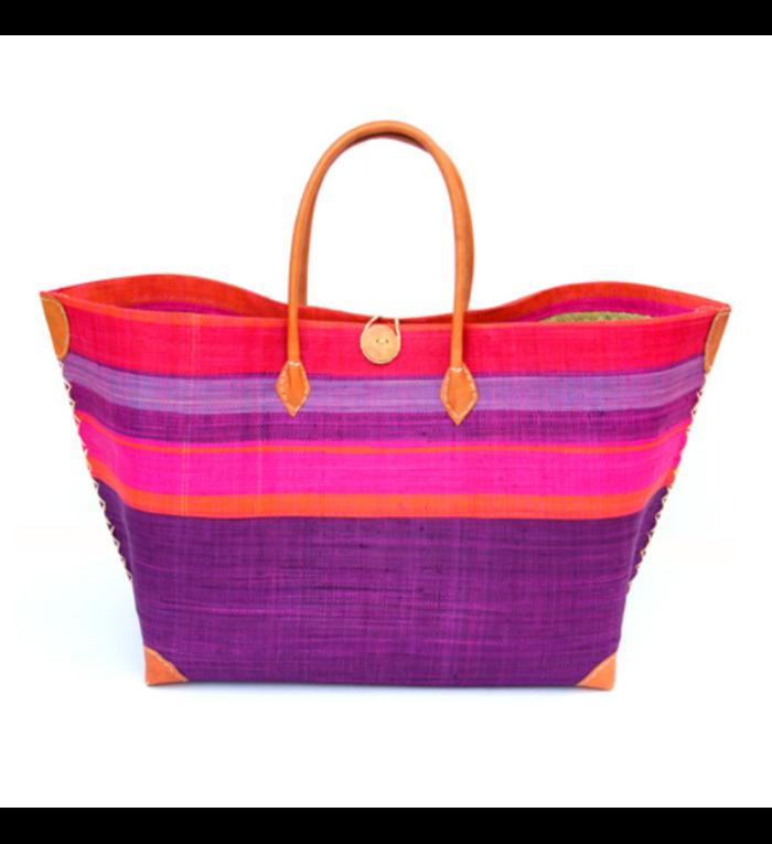 grote, handgemaakte strandtas onderkant paars en bovenkant verschillende kleuren gestreept