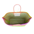 grote, handgemaakte strandtas onderkant blauw en bovenkant verschillende kleuren gestreept