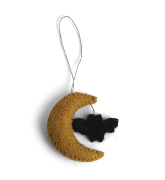Én Gry & Sif drie handgemaakte vilten Halloween Maantje met vleermuizen - decoratie hangertjes