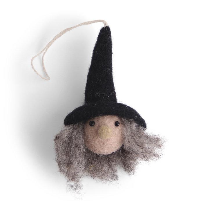 Én Gry & Sif handgemaakte vilten Heksje - Halloween versiering - decoratie hangertje