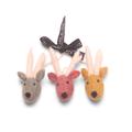 Én Gry & Sif drie handgemaakte vilten rendier gezichten -  rood, geel en groen - kerstboom decoratie hangertjes