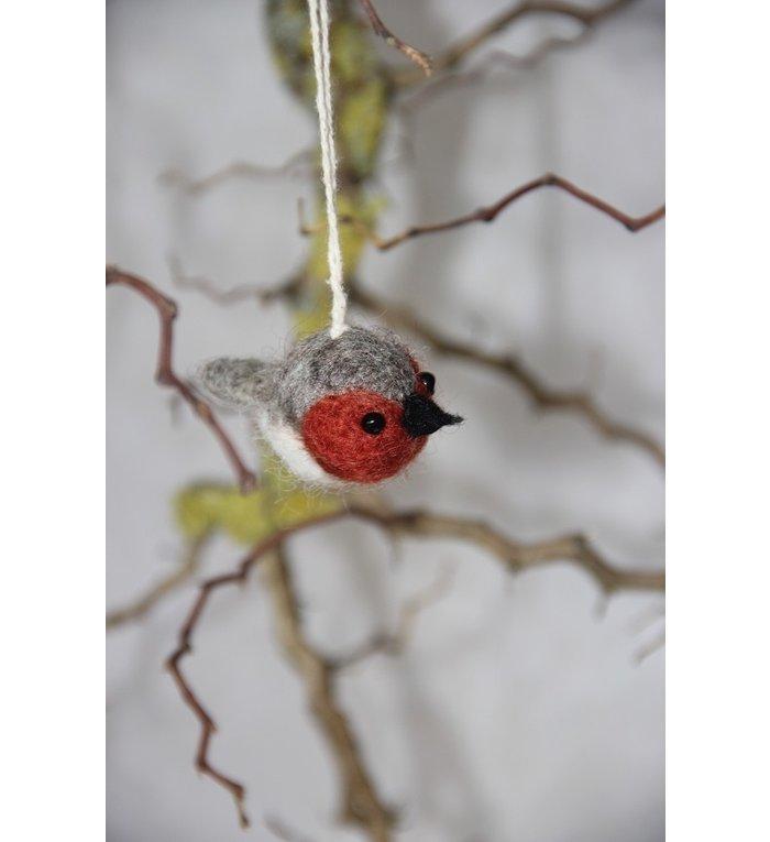 Én Gry & Sif drie handgemaakte vilten vogeltjes - rood en grijs - decoratie hangertjes