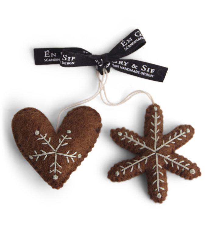 Én Gry & Sif handgemaakte vilten gingerbread ster & hartje - kerstboom decoratie hangertjes