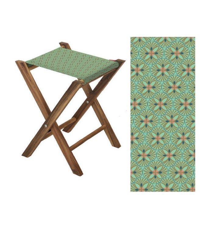 Vent de Bohème  visserskrukje, campingkrukje, kampeerkrukje, klapkrukje, voor binnen en buiten met  grafische groene print Lotus Lagon