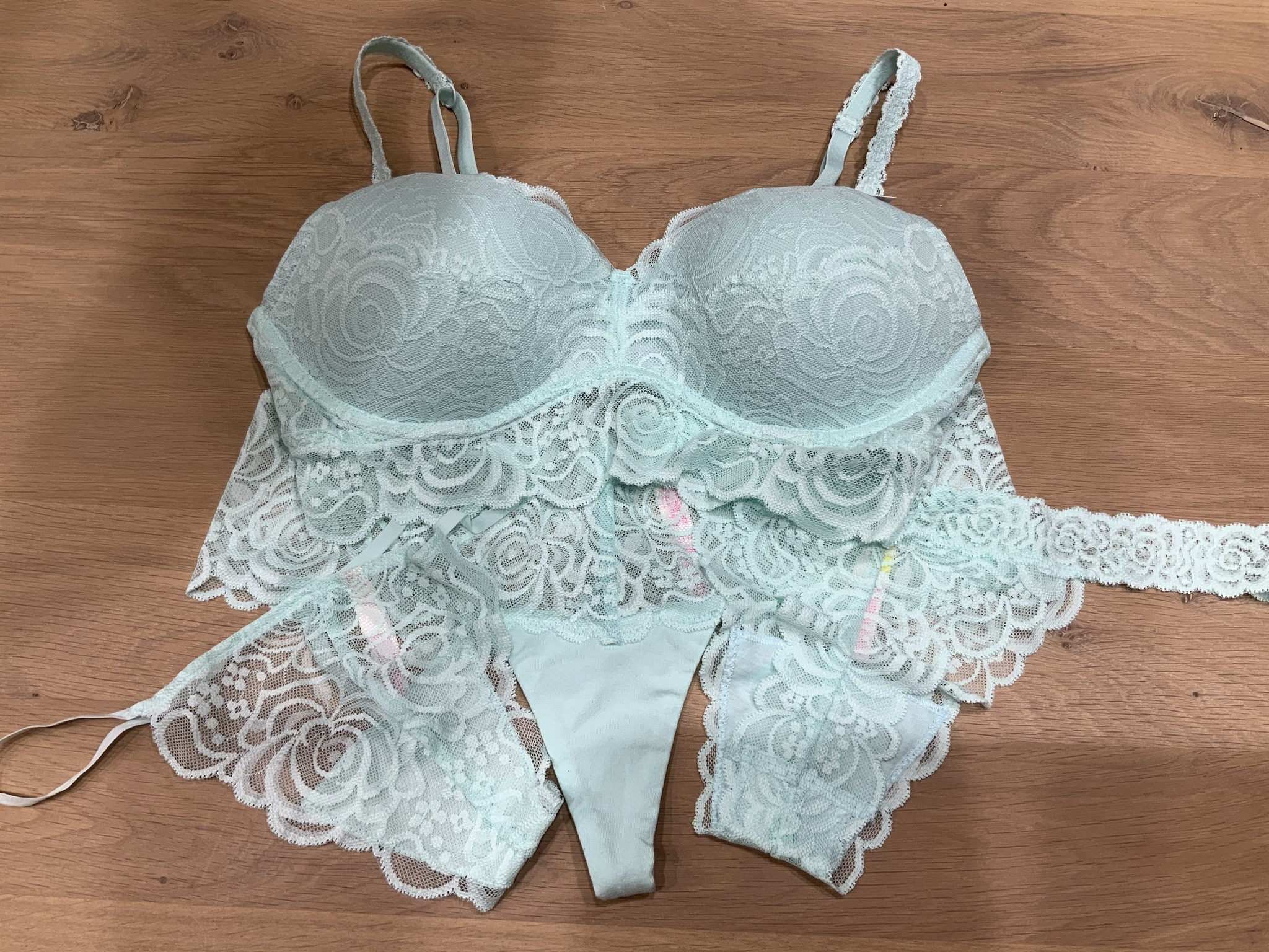 Victoria's Secret Een bijzonder verjaardag cadeau is MINT Victoria's Secret
