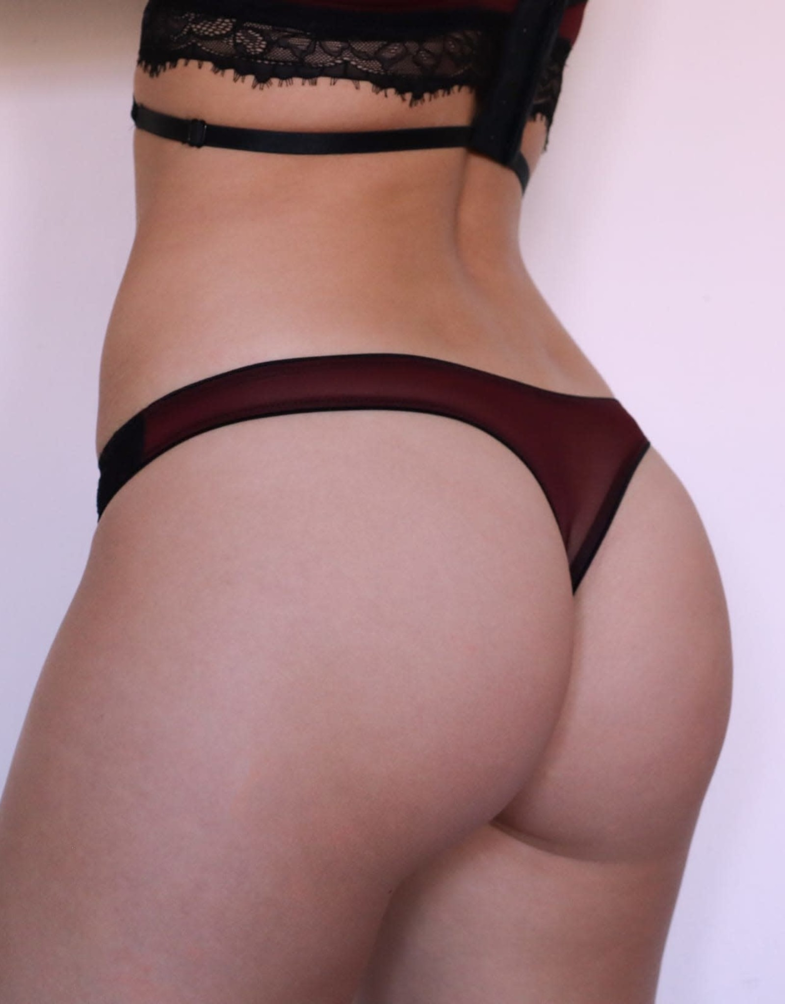The Oxblood collection - String