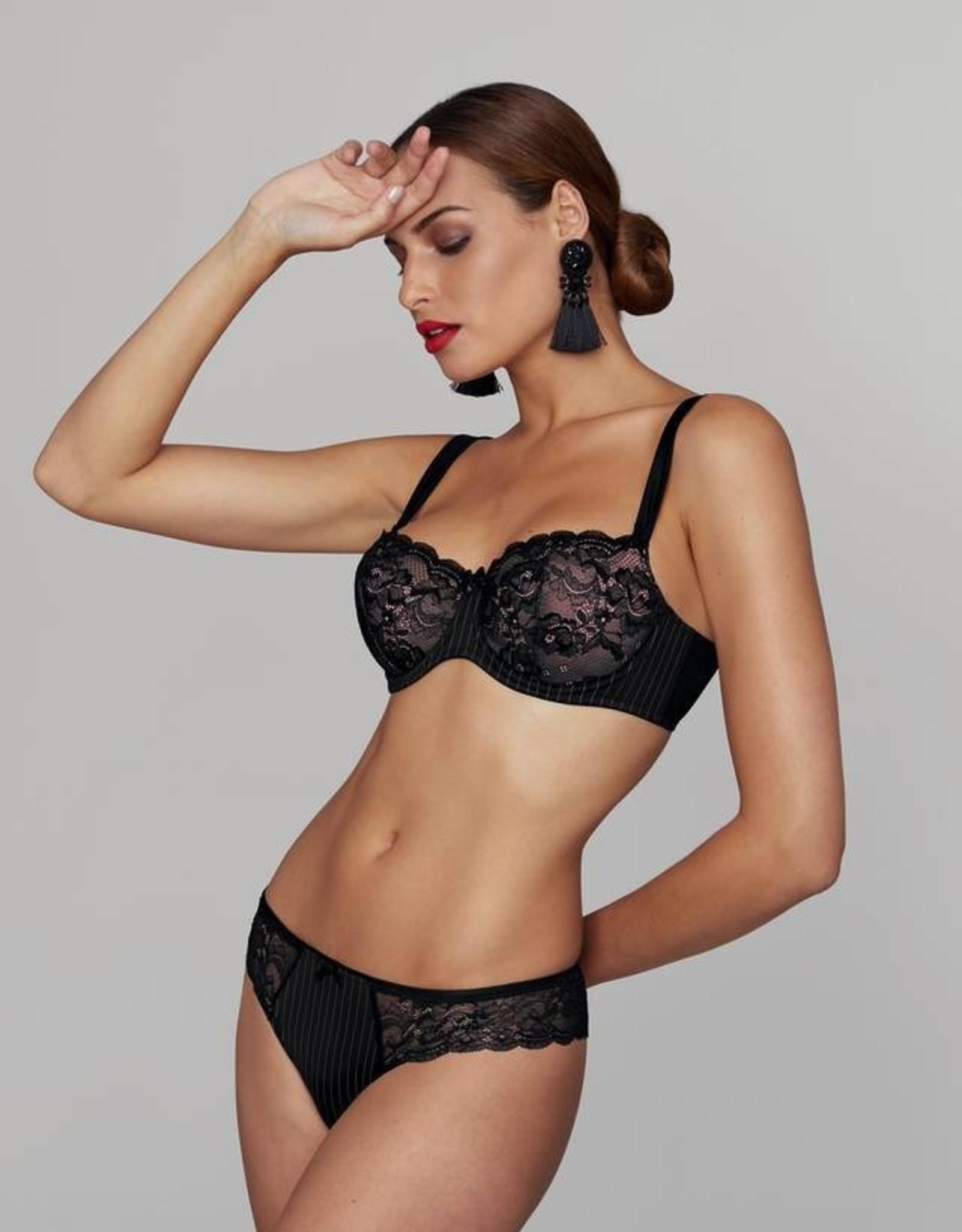 Rosa Faia Antonia - Shorty