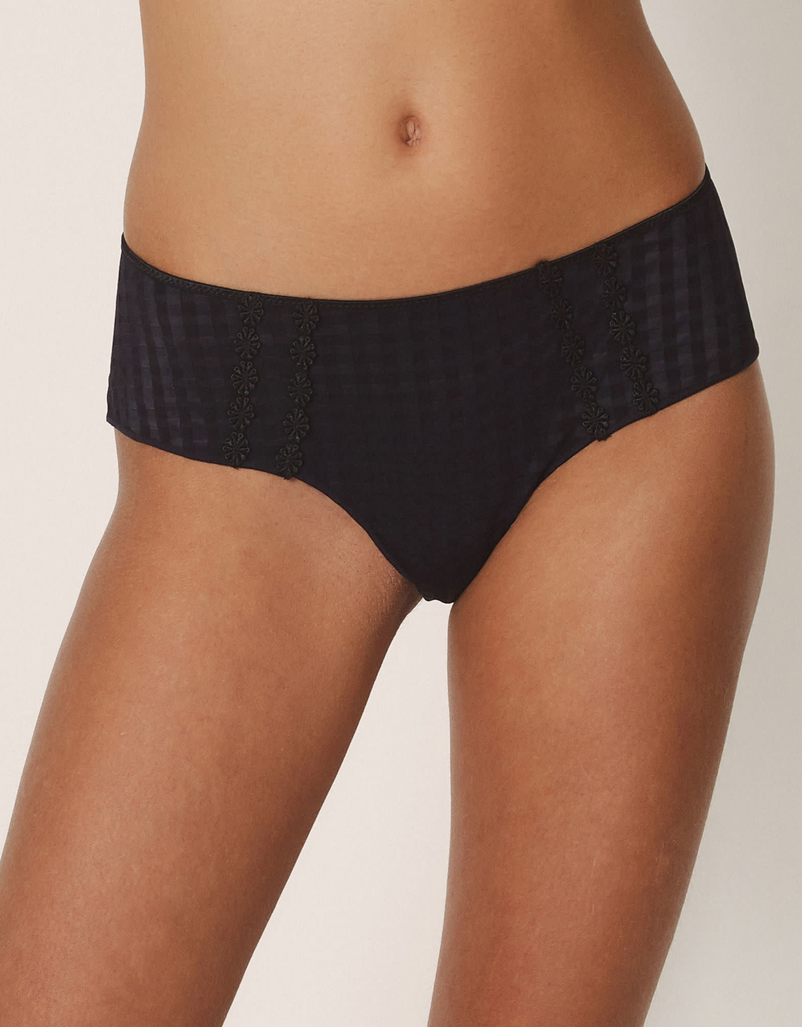 Marie Jo Avero - Hotpants
