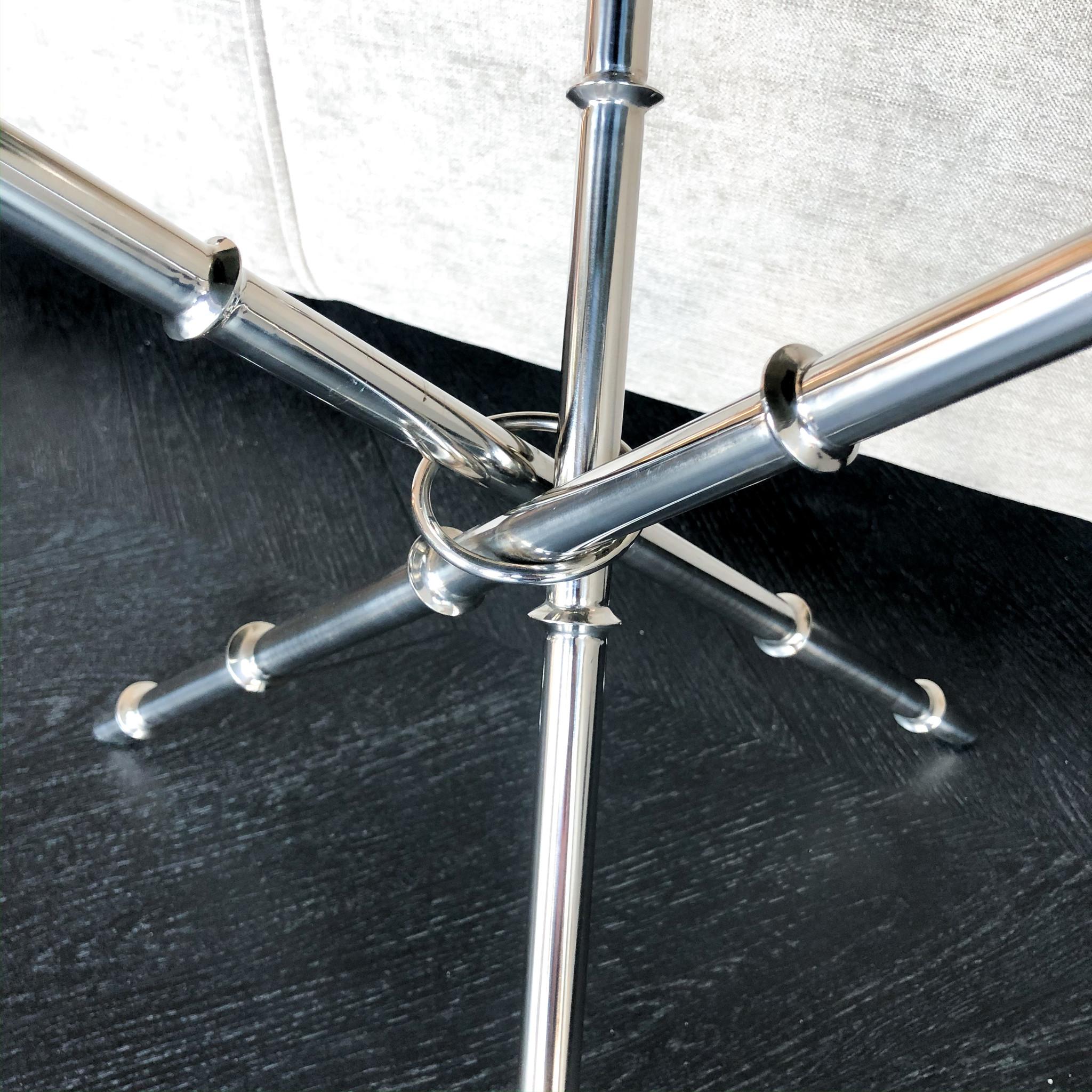 Design Side Table Musa Silver-5