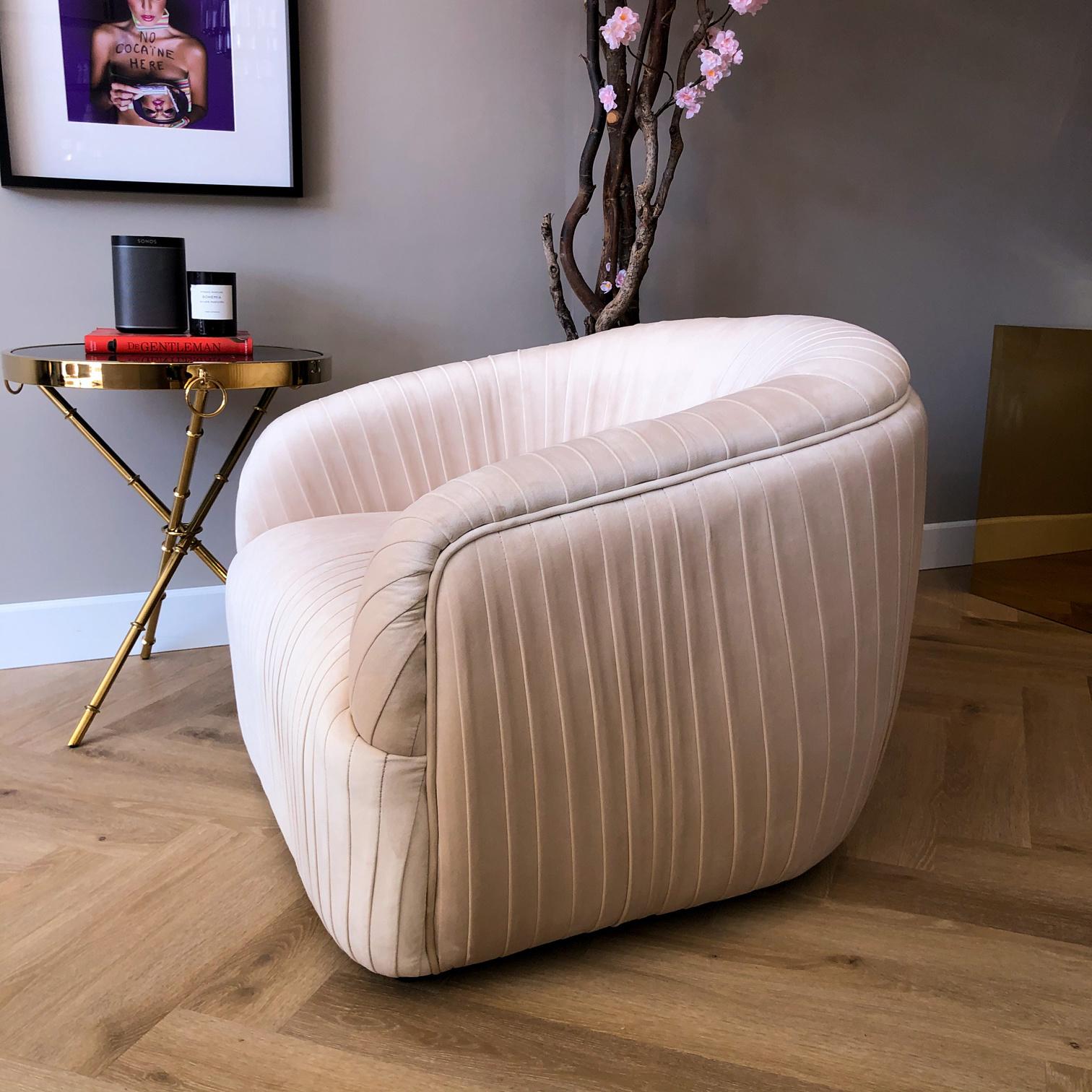 Luxurious Chair Connor Ivory Velvet-3