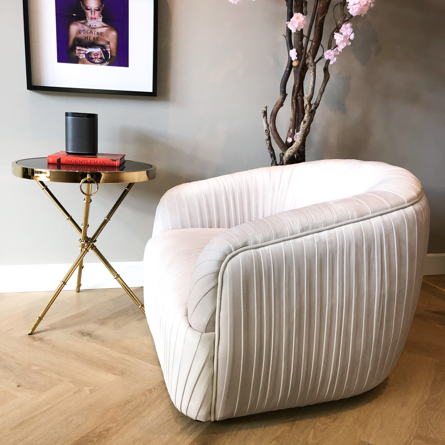 Luxurious Chair Connor Cloud White Velvet-3