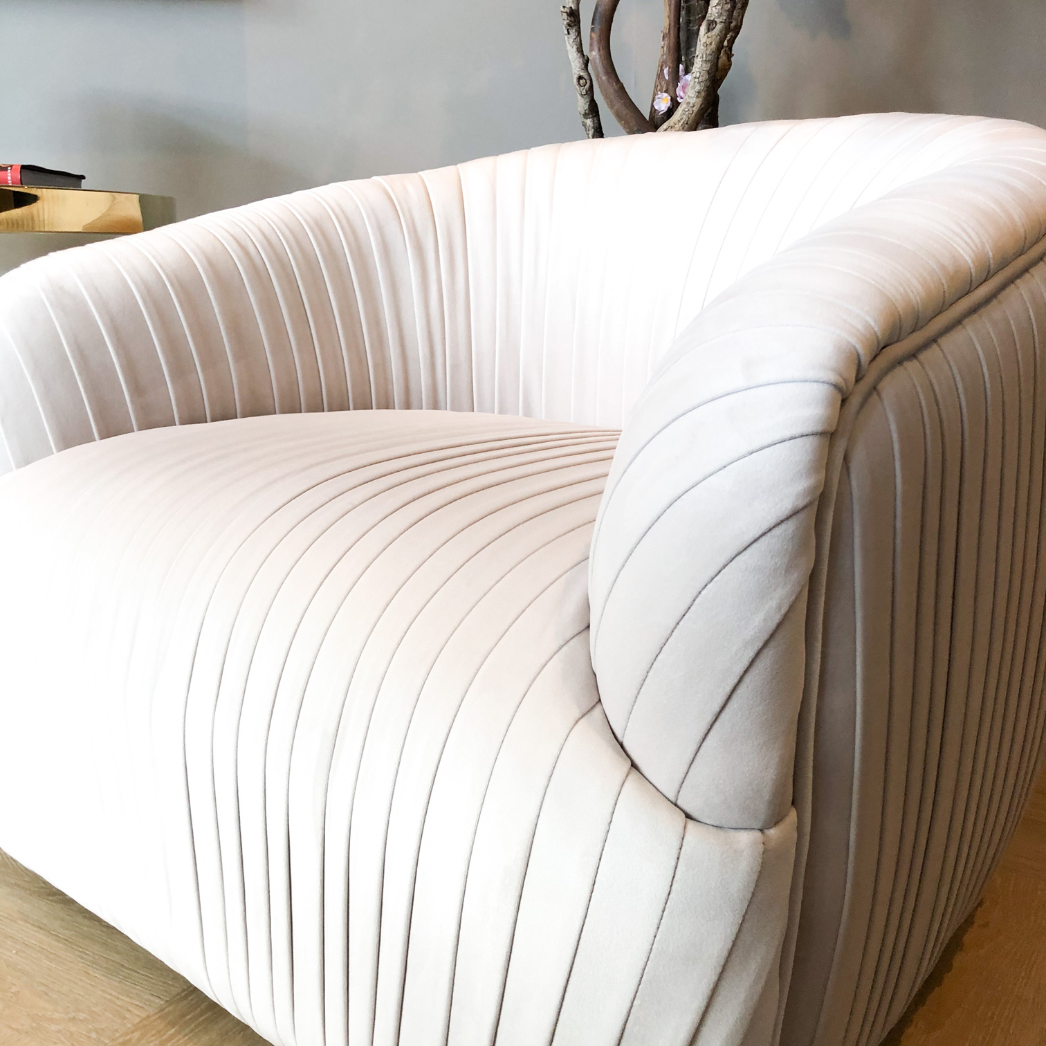 Luxurious Chair Connor Cloud White Velvet-5