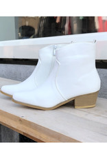 JK SELECTED NP2 BOOT WHITE