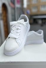 C933 sneakers white