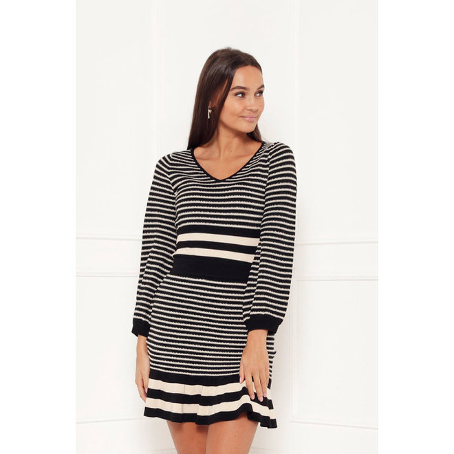 TOP V-NECK MOMO BLACK STRIPES