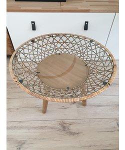 Rotan tafel met glasplaat en houten pootjes