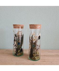 Droogbloemen in vaas met kurk pauw