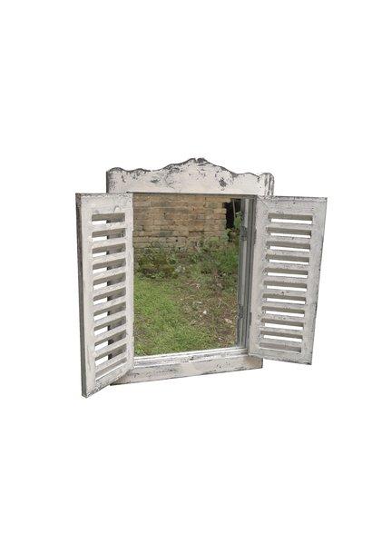 kleine Spiegel Fensterläden