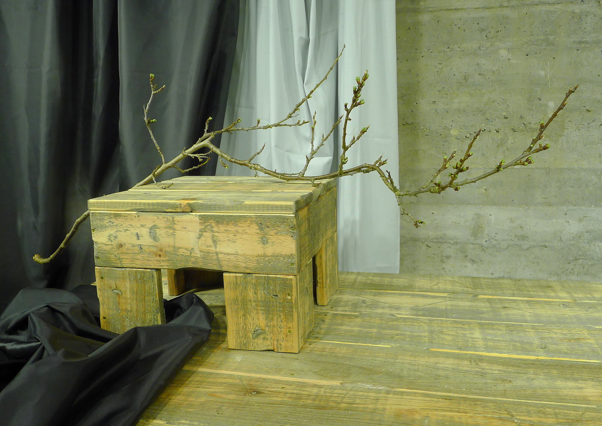 shop int dutch dark up table 33-3