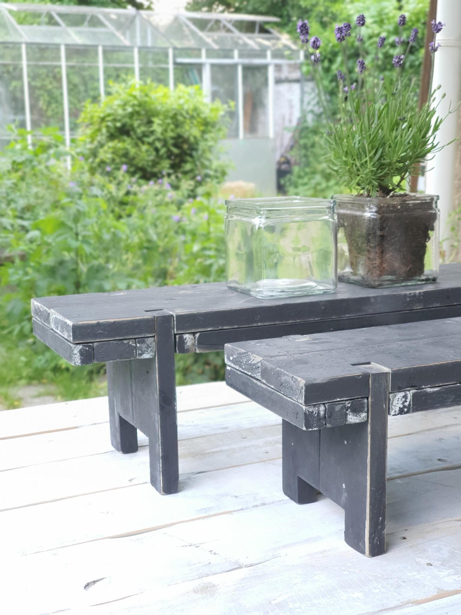 home dec  black berlin  window table 58-2