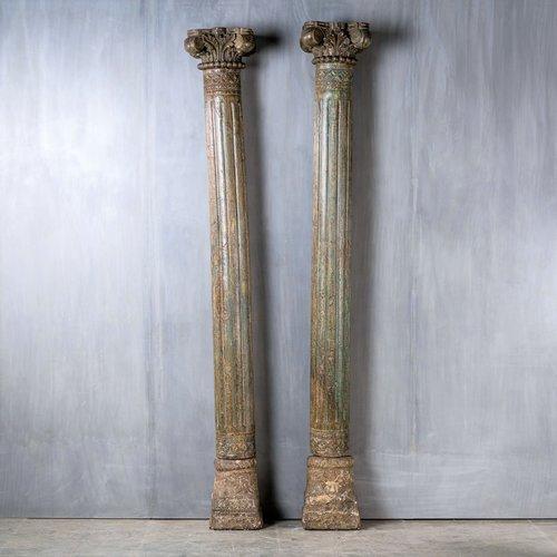 Antieke zuilen / steunpilaren grijsblauw India