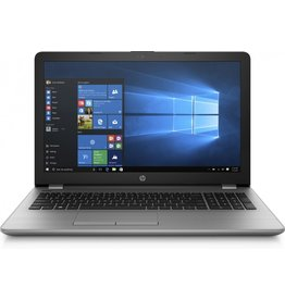 Hewlett Packard HP 250 G6 / 15.6 F-HD / I7-7500U / 4GB / 240GB SSD / DVD / W10
