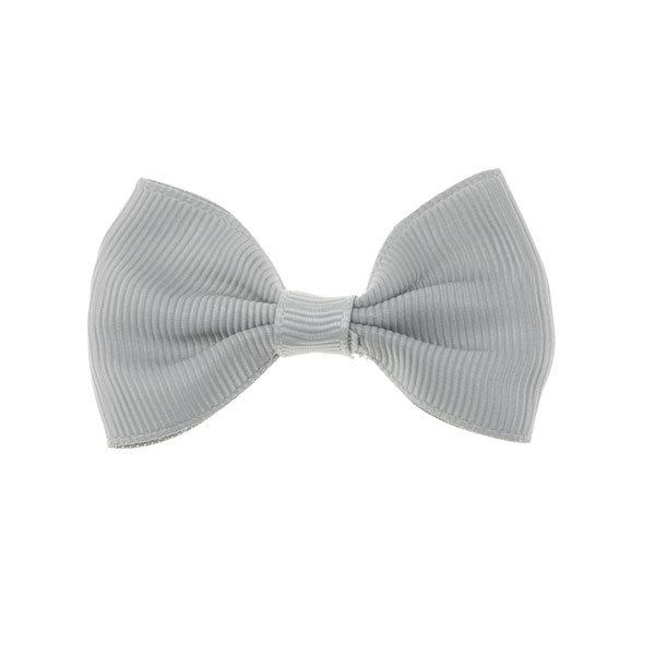 Haarstrik model strak in de kleur grijs