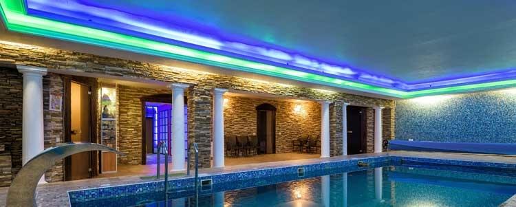 LED-valaistuksella loihdit upean tunnelman kylpylään.