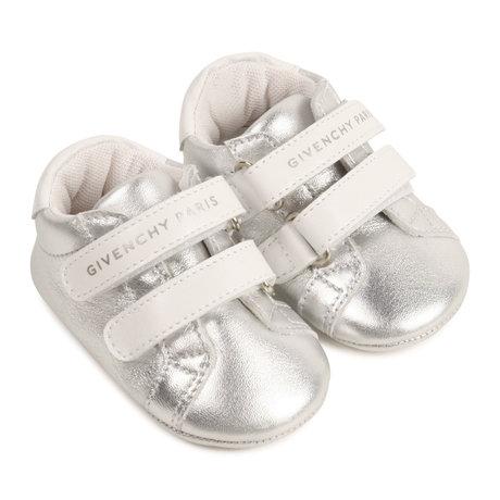 Givenchy Babyschoentje