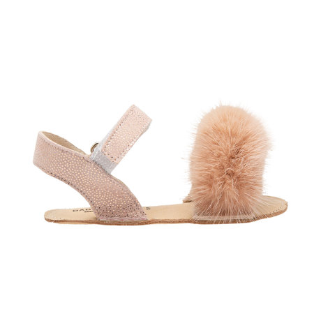 Leather sandals with faux fur