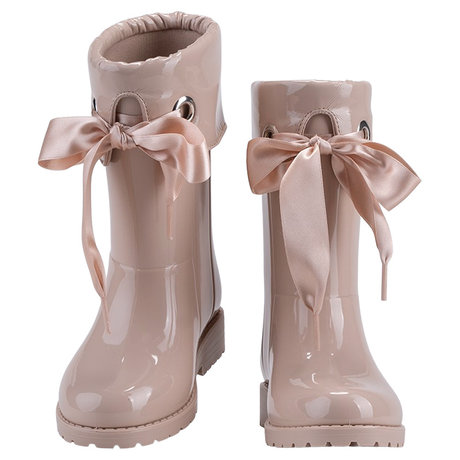 Rain boots with bow