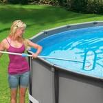 Intex - schoonmaak set - Bezem & schepnet - inclusief steel - Compleet geleverd