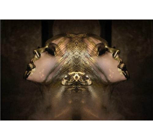 L&M Vrouw in het goud - Glasschilderij 120x80cm