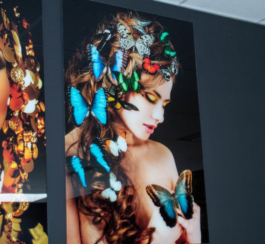 Vlinder vrouw- Art Glasschilderij
