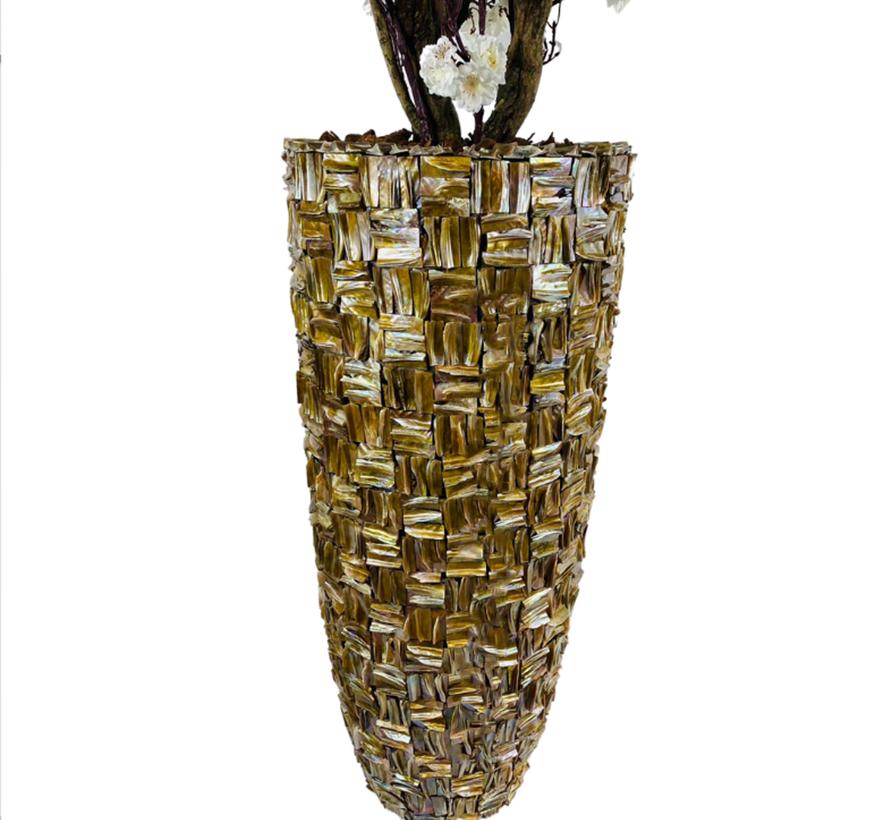 XXL schelpvaas opgemaakt met witte kunstbloesem struik