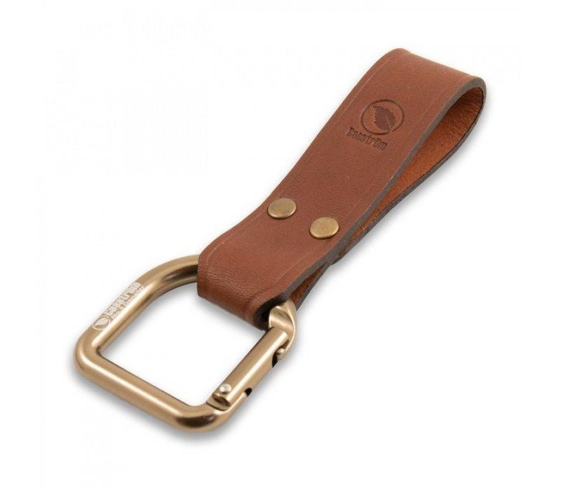 The Casstrom No.3 Dangler XL & Belt loop Cognac brown